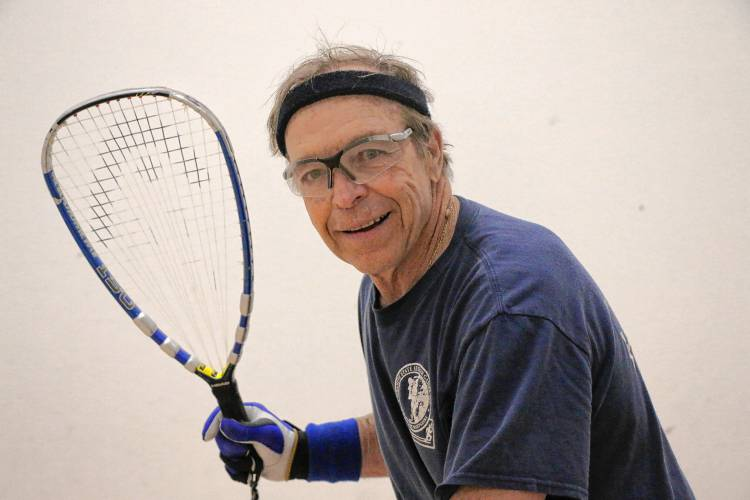 ledger senior singles 3 days ago  champaign — teri scaggs boasts just three seniors, with justice  1 singles  spot, according to scaggs, responding with a 12-2 ledger.