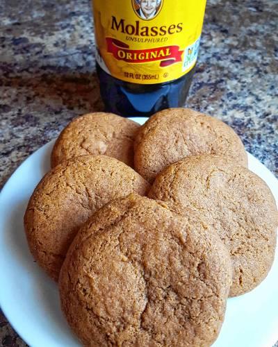 Gluten-free molasses cookies Photo credit: Sonya LeClair