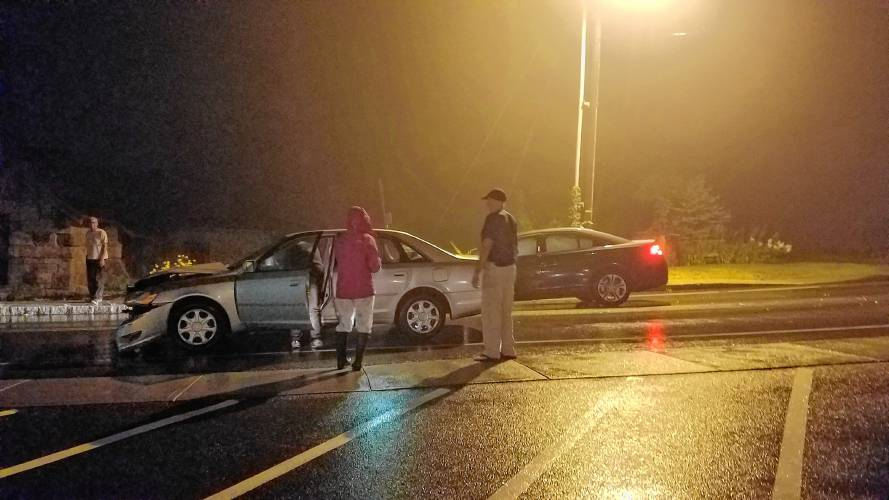 Monadnock Ledger-Transcript - No one injured in two-car
