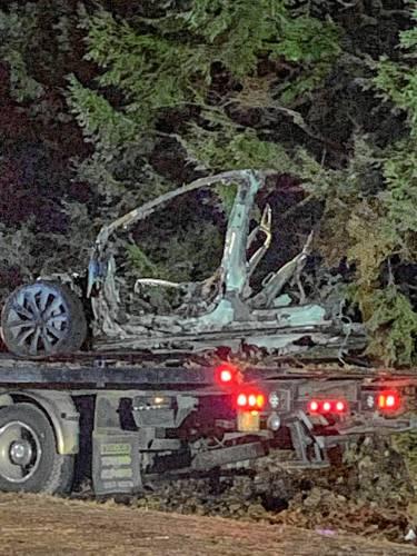 Monadnock Ledger-Transcript - Fiery Tesla crash injures three